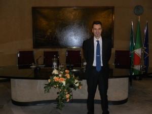 Ed eccoci nella sala Besta della Banca Popolare di Sondrio.